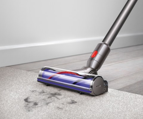 Deep cleans carpets and hard floors.