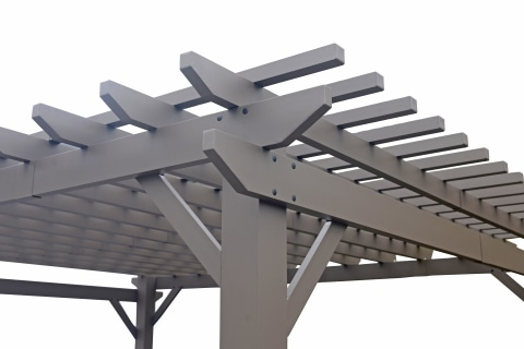 Traditional & classic pergola beam design