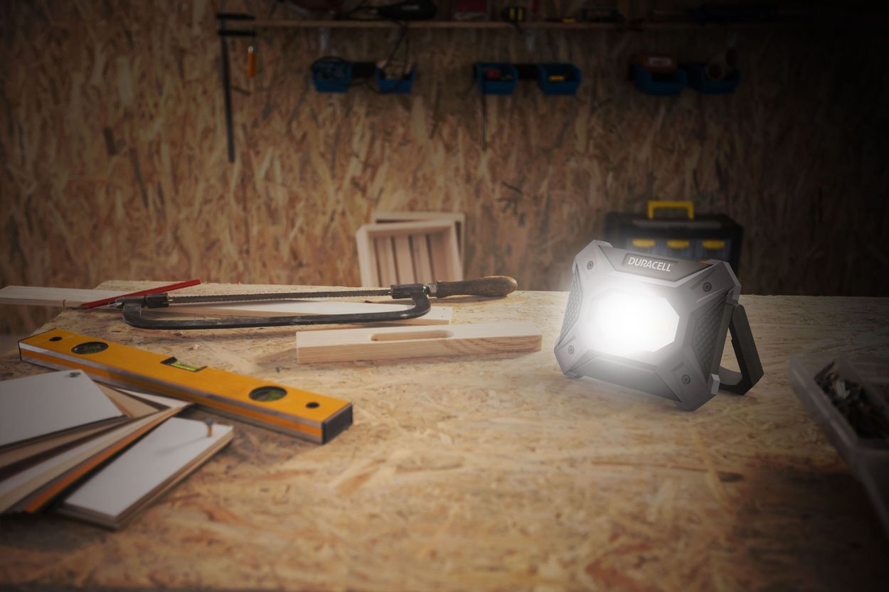 Image of worklight on table, turned on