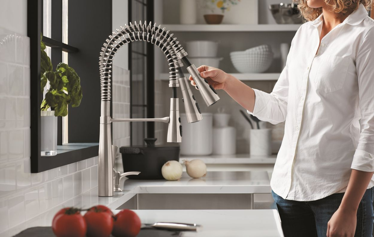 Kohler Semi Professional Kitchen Faucet With Soap Dispenser
